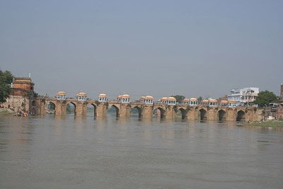 1 Day Historical Mosque Tour to Jaunpur from Varanasi