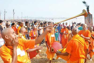 Allahabad Ardh Kumbh 2019 Tour at Triveni Sangam from Delhi, India