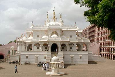 Chhapaiya Temple Tour Package from Varanasi India