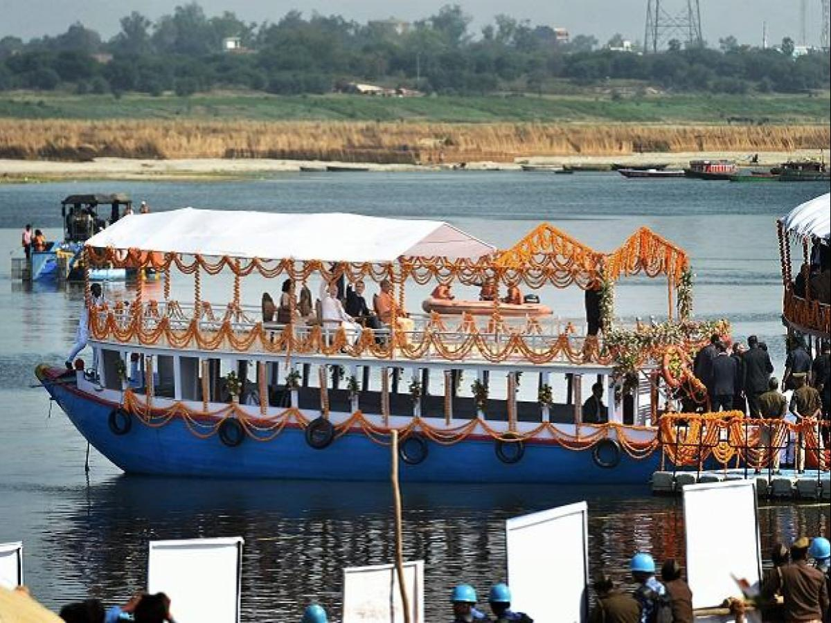 Dev Diwali Tour on Luxury Bajra Boat in Varanasi