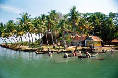 Enchanting Kerala Honeymoon Package - 4 Nights and 5 Days