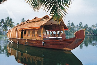 Kerala Honeymoon Tour Package with Houseboat Stay - 5 Nights and 6 Days
