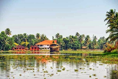 Munnar Alleppey Kerala Honeymoon Package: Romantic Houseboat tour of Kerala - 3 Nights and 4 Days