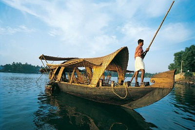 4 days Kerala Holidays Tour from Kochi (Cochin) in India that covers Munnar and Alleppey