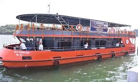 New Cruise Start in Ghats of Varanasi