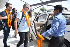 Steve Waugh visited Varanasi on 7 March, 2017. He was garlanded by Santosh Kumar Singh, Partner Holy Voyages